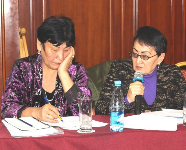 Asipa_Musaeva-Chair_of_Republican_Independent_Association_of_Women_Invalids-to_the_right-comments-IMG_6474